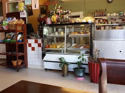 El Cafe Parking - Find Cheap Street Parking or Parking Garage near El Cafe | SpotAngels