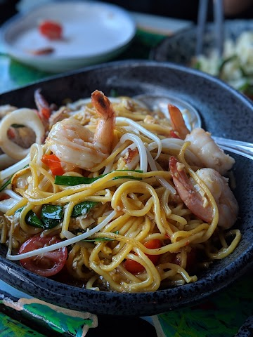 Reckless Noodle House and Cocktails