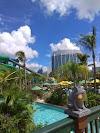 Guna Waze untuk pandu arah ke Universal's Volcano Bay Orlando
