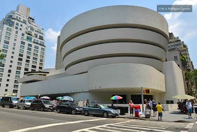 Guggenheim Parking - Find Cheap Street Parking or Parking Garage near Guggenheim | SpotAngels