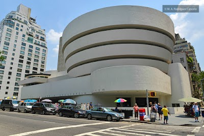 Guggenheim Parking - Find the Cheapest Street Parking and Parking Garage near Guggenheim | SpotAngels