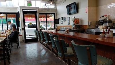 Tiffanys Cafe Parking - Find Cheap Street Parking or Parking Garage near Tiffanys Cafe | SpotAngels