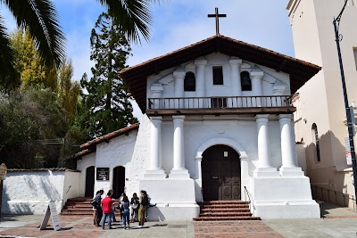 Mission Dolores Parking - Find Cheap Street Parking or Parking Garage near Mission Dolores | SpotAngels