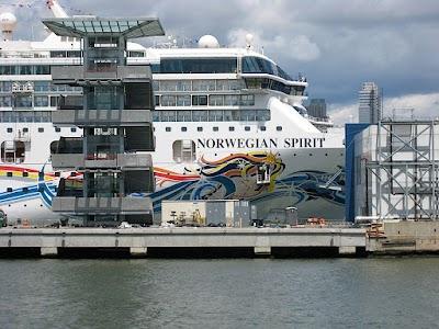 Pier 84 Parking - Find Cheap Street Parking or Parking Garage near Pier 84   SpotAngels