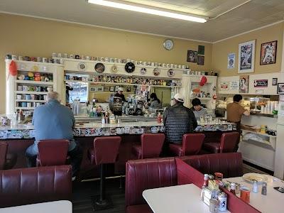 Eddie's Cafe Parking - Find Cheap Street Parking or Parking Garage near Eddie's Cafe   SpotAngels