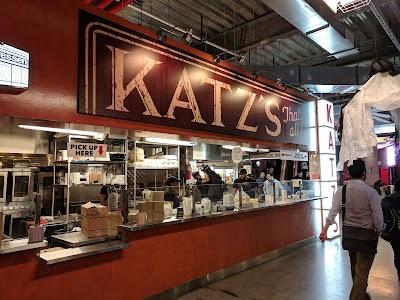 A Taste Of Katz's Parking - Find Cheap Street Parking or Parking Garage near A Taste Of Katz's | SpotAngels