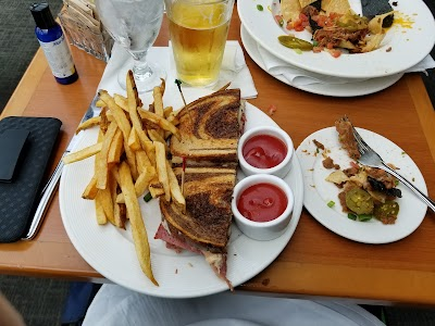 The Cypress Grill Parking - Find Cheap Street Parking or Parking Garage near The Cypress Grill | SpotAngels
