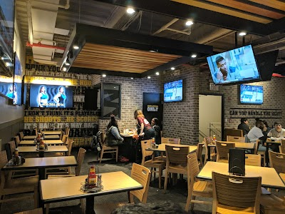 Buffalo Wild Wings Parking - Find the Cheapest Street Parking and Parking Garage near Buffalo Wild Wings | SpotAngels
