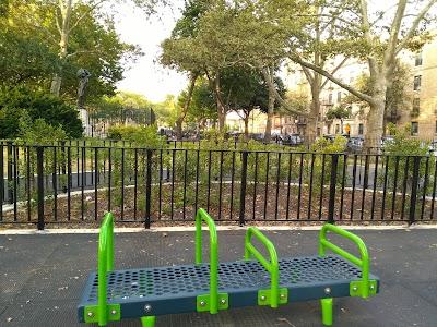 Highland Park Parking - Find Cheap Street Parking or Parking Garage near Highland Park | SpotAngels