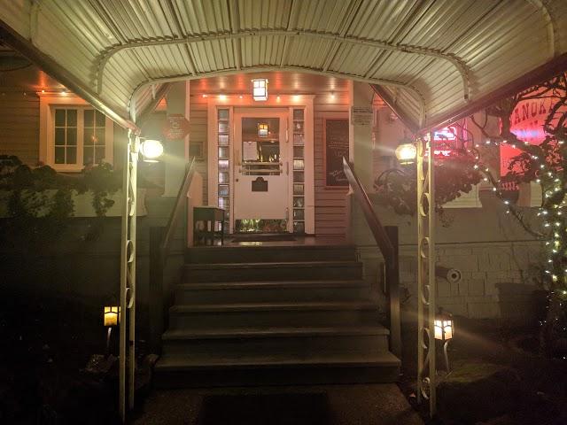 Roanoke Inn