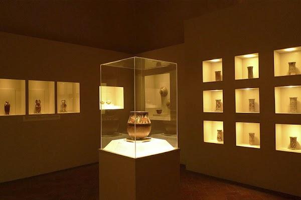 Popular tourist site Museo de Arte Precolombino in Cusco