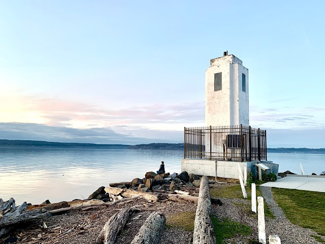 Browns Point Lighthouse Park