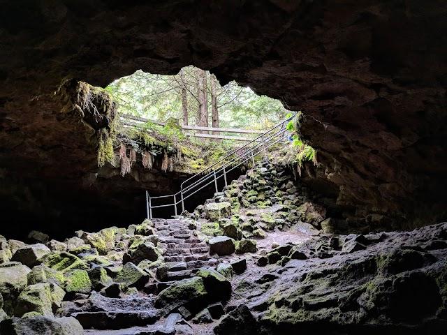 Ape Cave photo