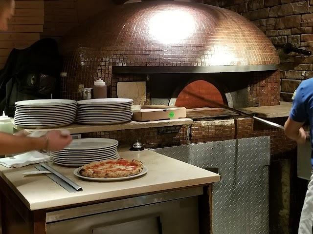 Kesté Pizza & Vino banner backdrop