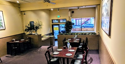 Wok Shop Cafe Parking - Find Cheap Street Parking or Parking Garage near Wok Shop Cafe | SpotAngels