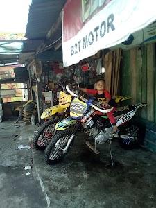 B2T Motor Padang