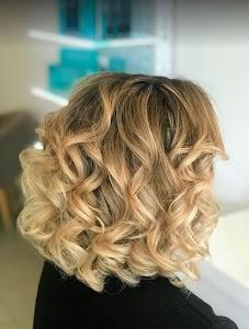 Friseursalon Hairstyle by Regina
