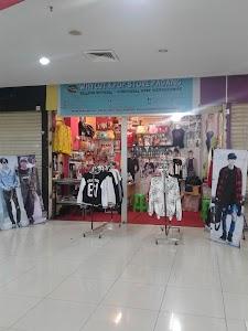 Whycut KPOP Store Padang