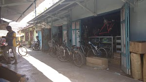 Toko Perlengkapan Sepeda RUFI