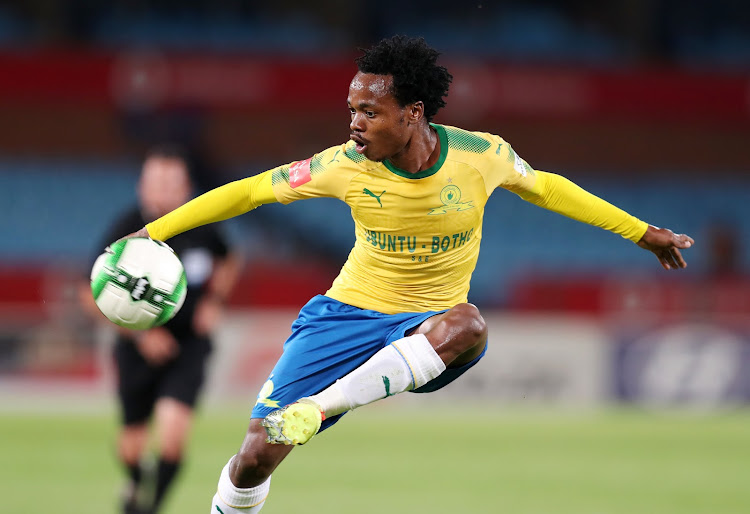 Mamelodi Sundowns star forward Percy Tau has reportedly had a final offer from English Premier League side Brighton Hove and Albion.