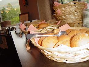 Photo: クラッセ朝食(和洋バイキング)の焼きたてパン