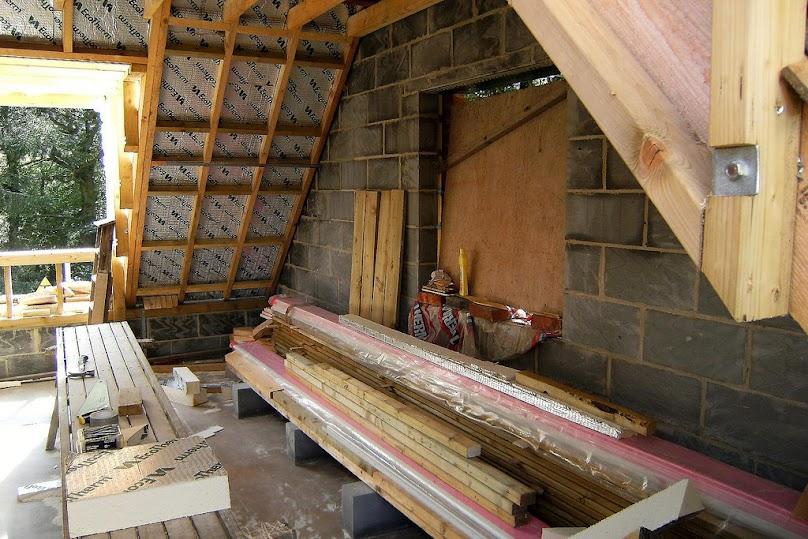 Izolacja termiczna i przeciwwilgociowa dachu skośnego