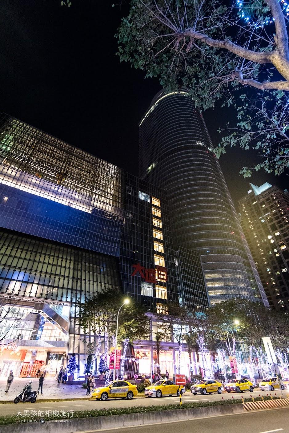 Asia 49亞洲料理及酒廊位於板橋大遠百旁的Mega 50內。