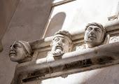 Лица на фасаде собора Св.Иакова