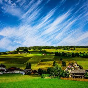 The painted Grassland. by Mattia Bonavida - Landscapes Mountains & Hills ( clouds, hills, nature. amazing, mountains, sky, color, beauty, landscape )