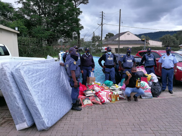 Police in Engcobo donated groceries, clothing and bedding to a family in need at the Mthintloni Locality on Thursday