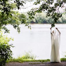 Wedding photographer Vadim Zakharischev (yourmoments). Photo of 17.08.2015