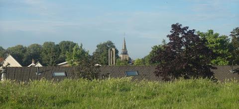 Photo: Twee kerktorens van Heinenoord