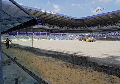 📷 Les travaux ont commencé du côté d'Anderlecht : les premières photos du changement de pelouse