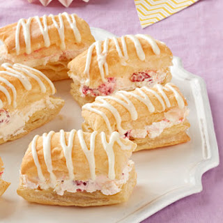 "Raspberry-Lemonade ""Cream Puffs"""