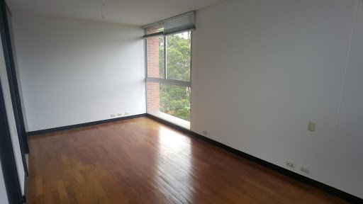 apartaestudio en venta poblado 743-2965