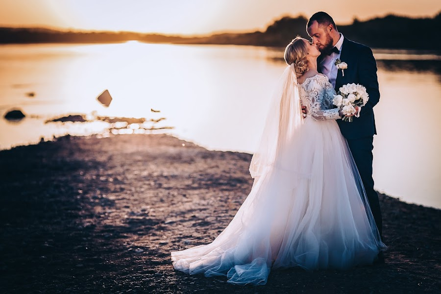 Vestuvių fotografas Alina Saulius (twosidesphoto). Nuotrauka 20.05.2019