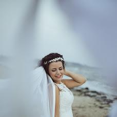 Wedding photographer Stathis Komninos (Studio123). Photo of 11.04.2018