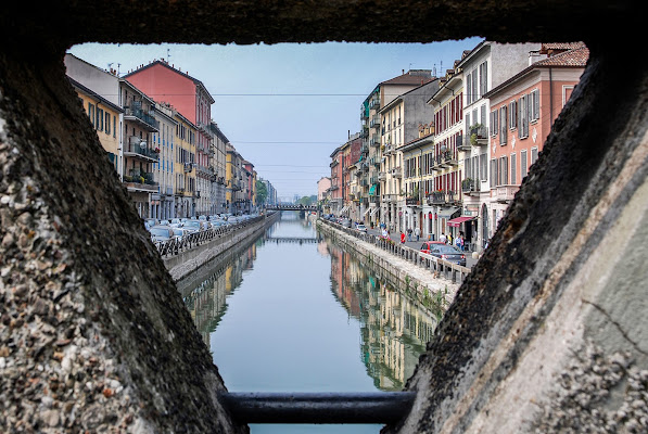 Through the hole di laurafacchini