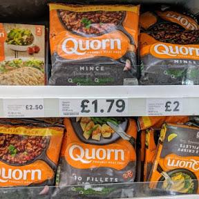 【知られざる世界の常識】イギリスで世界で売り上げ急上昇中!大注目食材の人工肉「クォーン」で麻婆豆腐を作って食べてみた