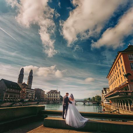 Wedding photographer Michael Baloga (xfoto). Photo of 05.12.2017