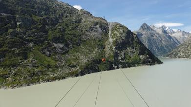 Photo: Drótkötélpálya a gleccsertó felett