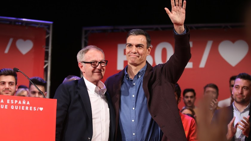 José Guirao y Pedro Sánchez, en un mitin del PSOE en Almería.