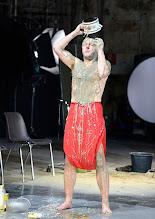 Photo: IM REICH DER TIERE von Roland Schimmelpfennig. Inszenierung: Roland Schimmelpfennig. Premiere 28. 2.2015. Peter Knaack. Copyright: Barbara Zeininger