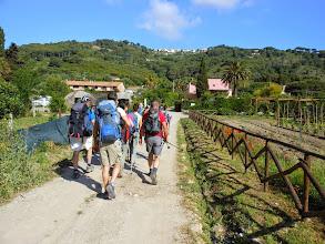Photo: Saliamo verso il paese di S.Piero.