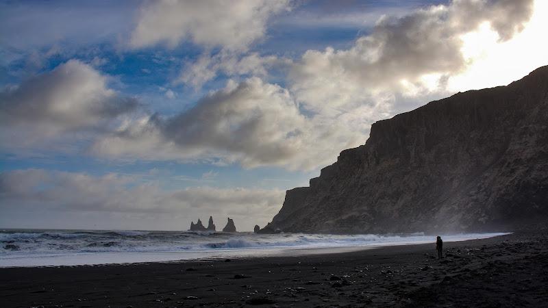 La spiaggia di VIK di Paolo Scabbia