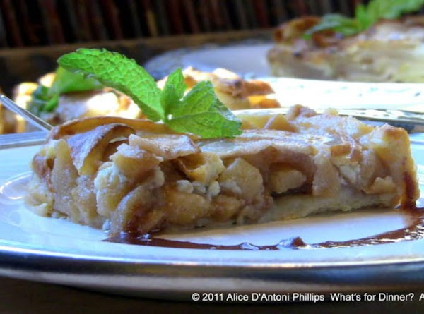Pear & Apple Gorgonzola Tart With Frangelico & Balsamic Reduction Recipe