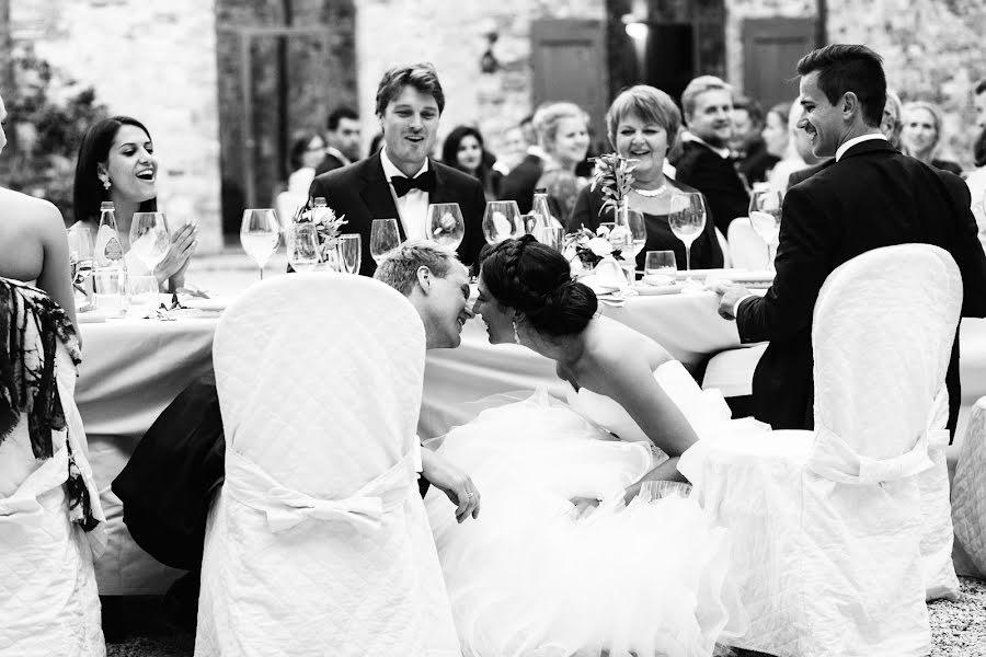 Wedding photographer Volodymyr Ivash (skilloVE). Photo of 08.05.2020