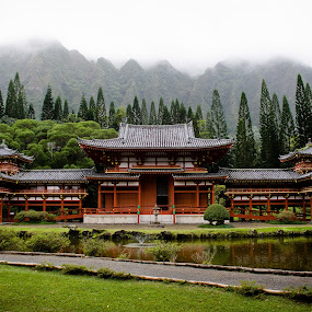 by Daniel Olsen - Buildings & Architecture Places of Worship ( temple, vacation, byodo-in, buddhist, scenic, hawaii )