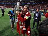 Liverpool-aanvoerder Jordan Henderson pronkt met Champions League-tattoo