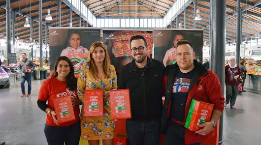 Recogida solidaria de juguetes y material escolar en el Mercado Central